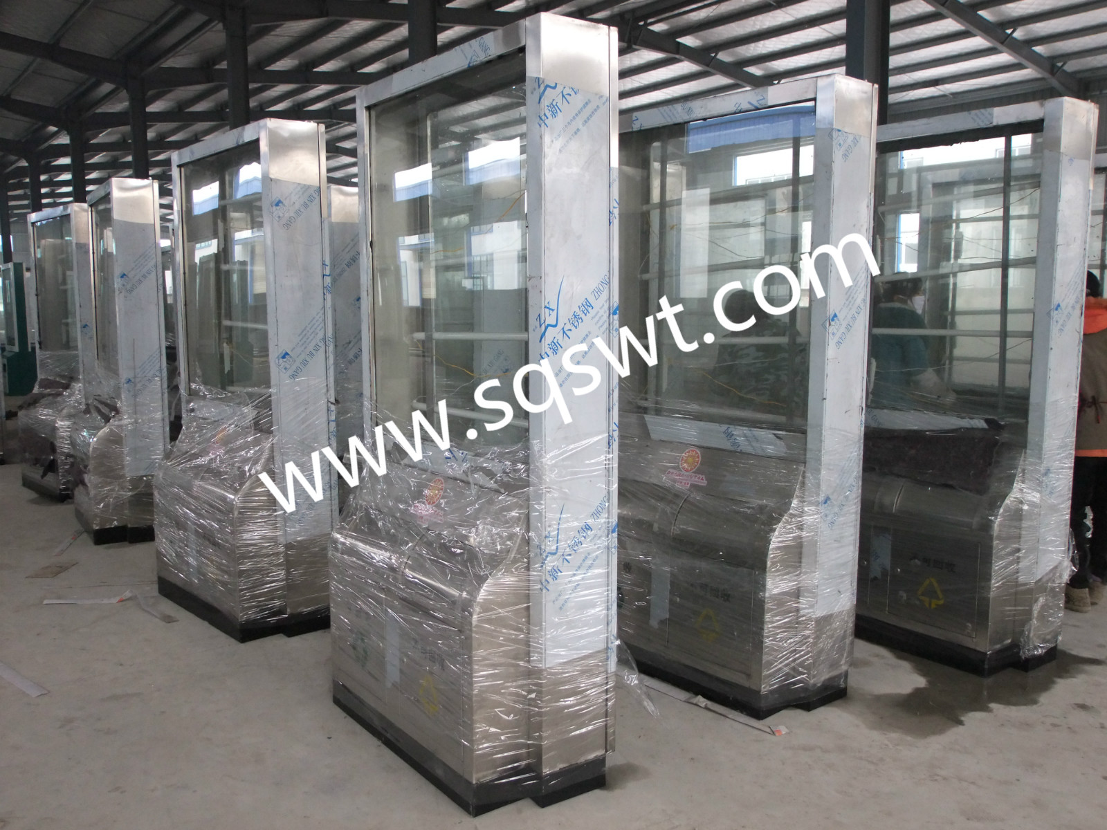 SWT-203款不锈钢广告垃圾箱